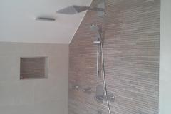 Dusche mit Riemchen