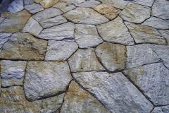 Polygonalbelag Gamser Gneis